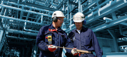 Bauarbeiter mit Ohrenschutz